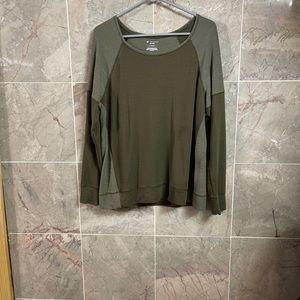 TekGear Drytek blouse size large